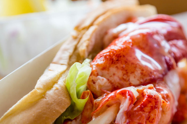 What Makes An Authentic Lobster Roll So Delicious Geddy S